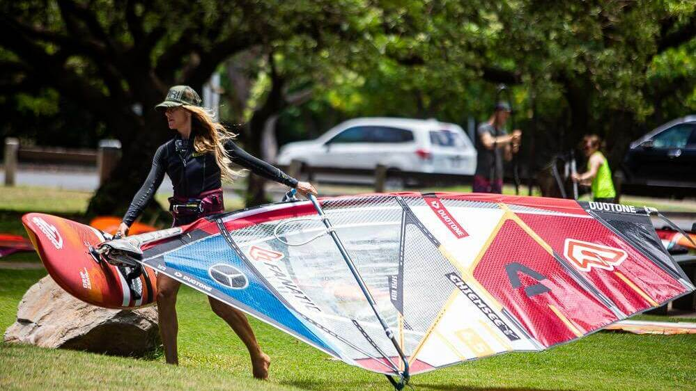 Duotone_Windsurfing_Shawna_Coaching1