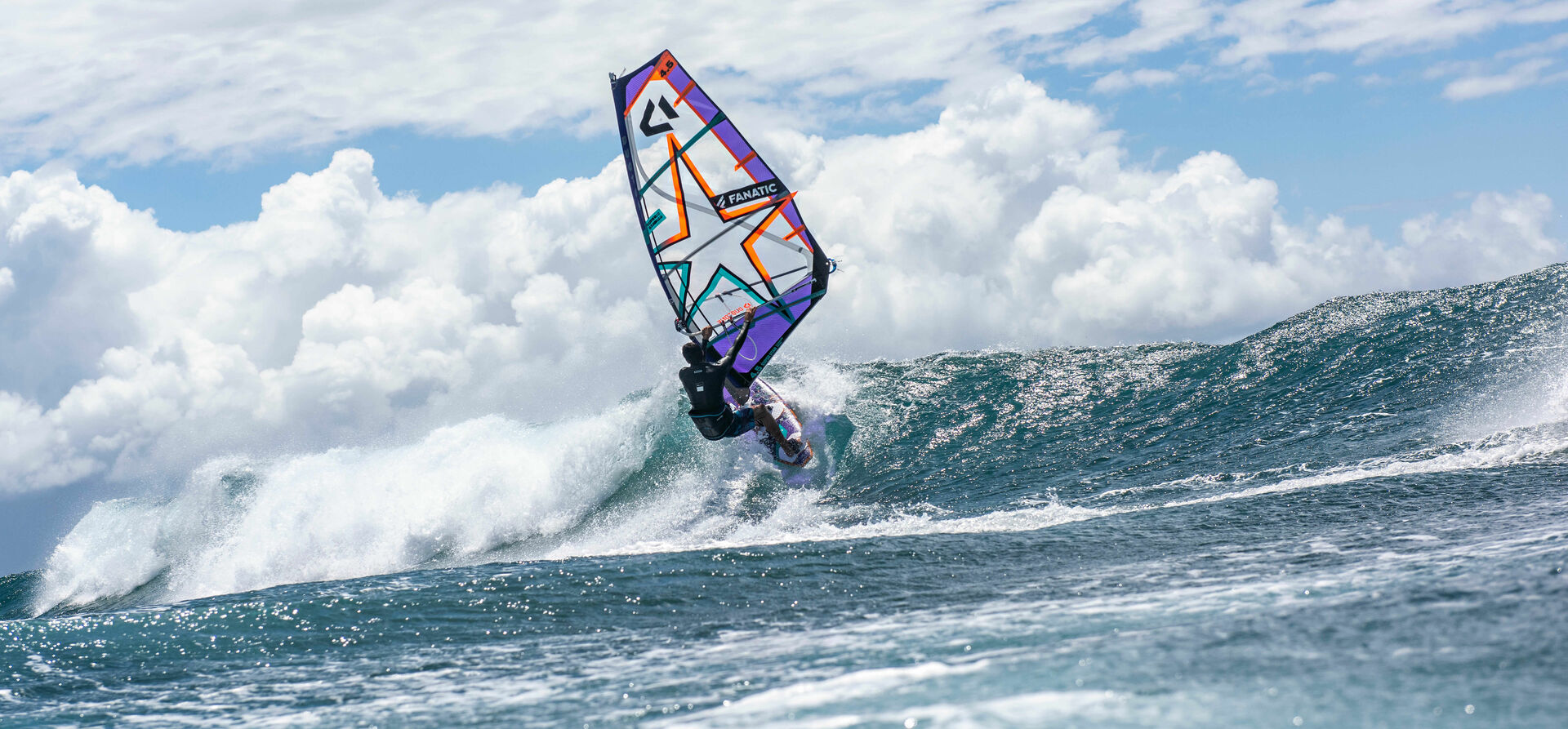 Duotone_Windsurfing_Wave_Freestyle_Sails_2021_1