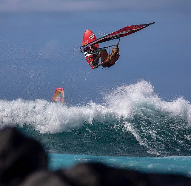Duotone_Windsurfing_Shawna_Coaching2