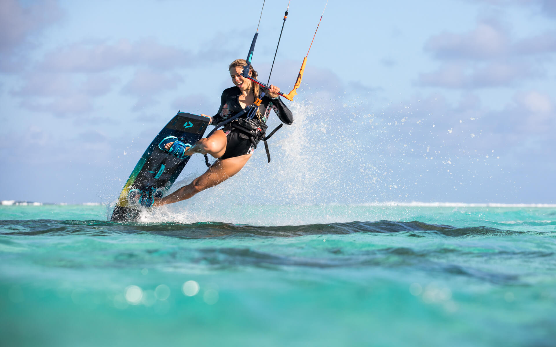 Duotone_Kiteboarding_Click_Bar_2019_Hannah_Whiteley