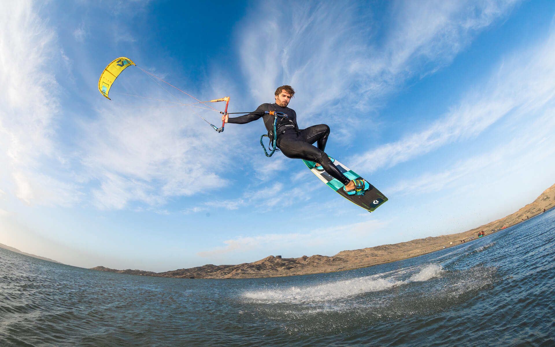 Duotone Kiteboarding Dice 2020 yellow Action shot Reno Romeu