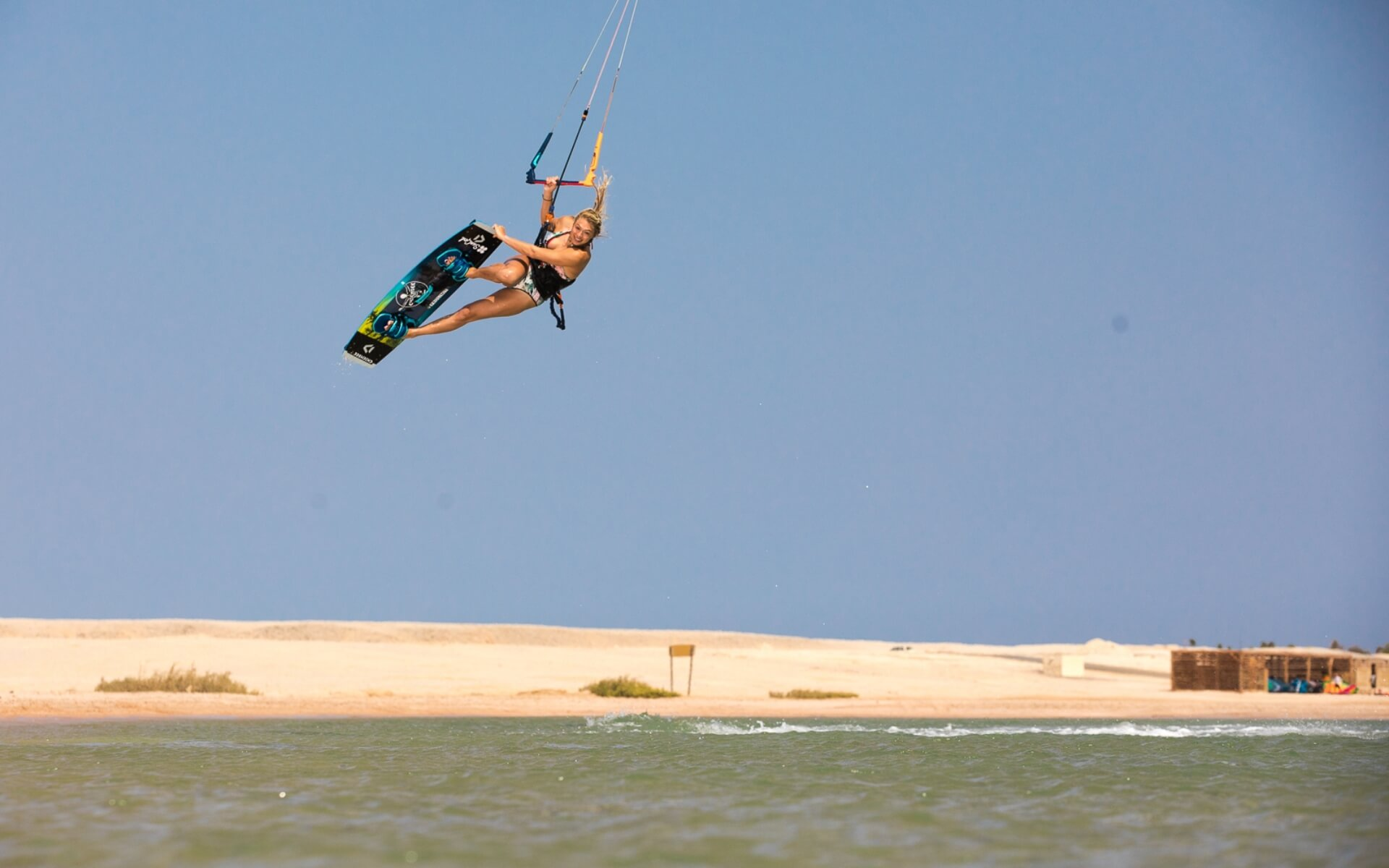 Duotone_Kiteboarding_Team_Hannah_Whiteley_Egypt_II