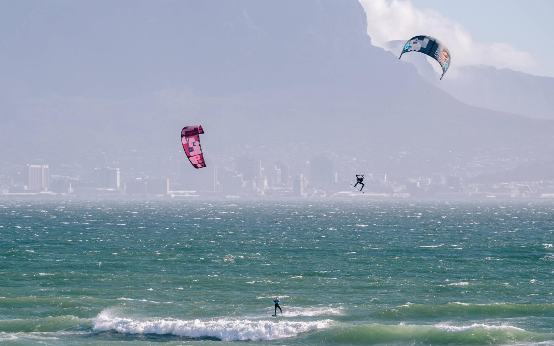 Duotone_Kiteboarding_Red_Bull_King_of_the_air_1