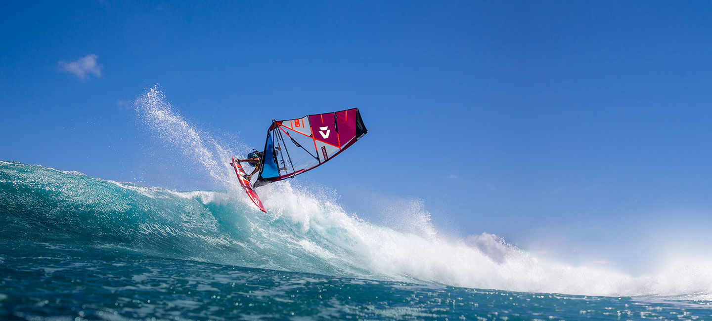 Duotone_Windsurfing_Team_Victor_Fernandez_Action